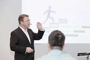 """Rhetor Programmbild Vortrag """"Train-the-Trainer, wie Sie Wissen multiplizieren"""""""
